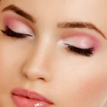 eyelashes and eyebrow beauty treatments